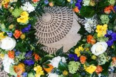 rundgesteckten Blumenkranz